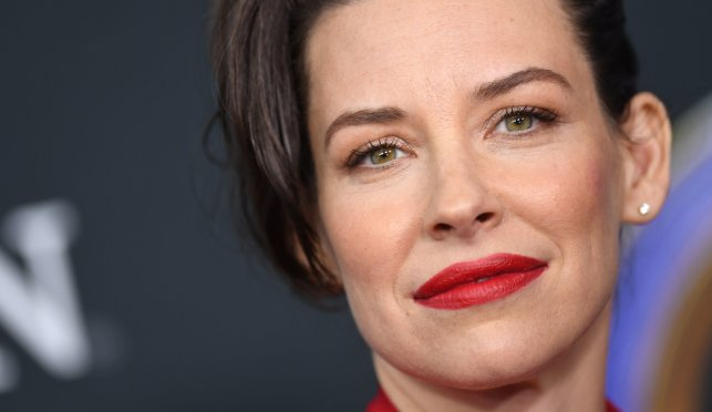 Actress who boasted about valuing freedom over quarantine backtracks, apologizes for 'insensitive' post, 'arrogant and cryptic' silence