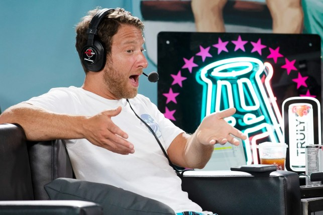 'Pick a f***ing side!': Barstool Sports founder calls out Dr. Fauci over the doctor's latest advice