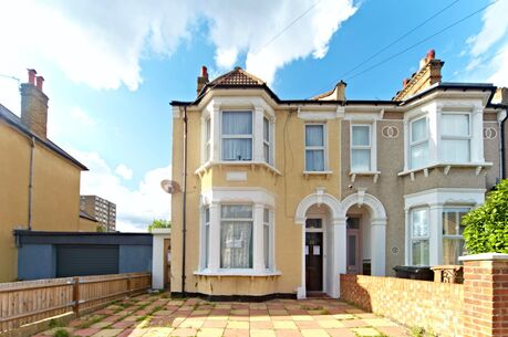 3 Bedroom House For Sale London