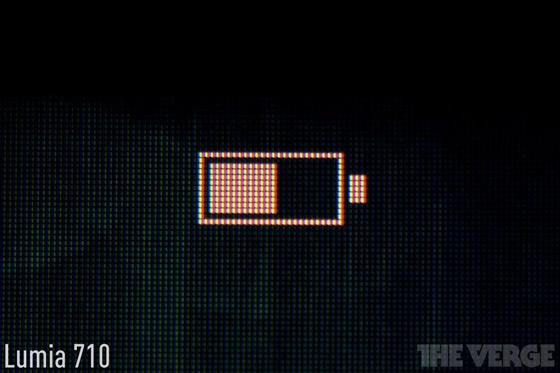 Lumia-710-macro_560