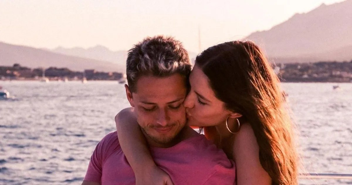 Javier Chicharito Hernandez And Sarah Kohan Expect New Baby World Today News In 2017, she graduated from the university of notre dame australia with a bachelor of laws (llb). sarah kohan expect new baby