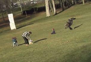 Un bebelus,  rapit  dintr-un parc de o pasare pradatoare. Explicatia celor care au stat in spatele unei farse de 16.000.000 afisari: