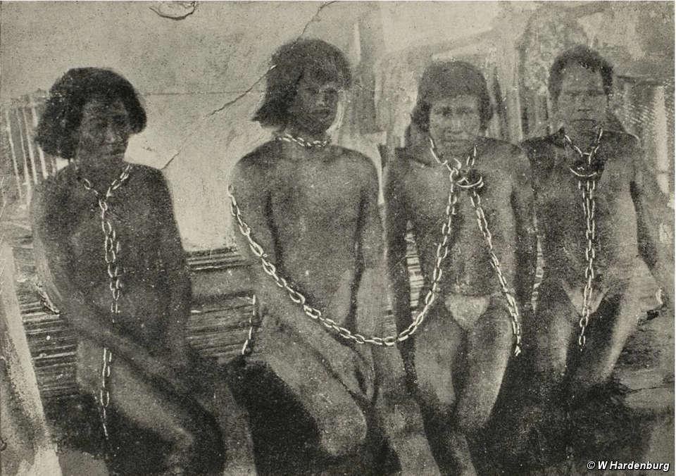 Milhares de índios foram escravizados durante o boom da borracha há mais de 100 aos, no entanto a história segue...