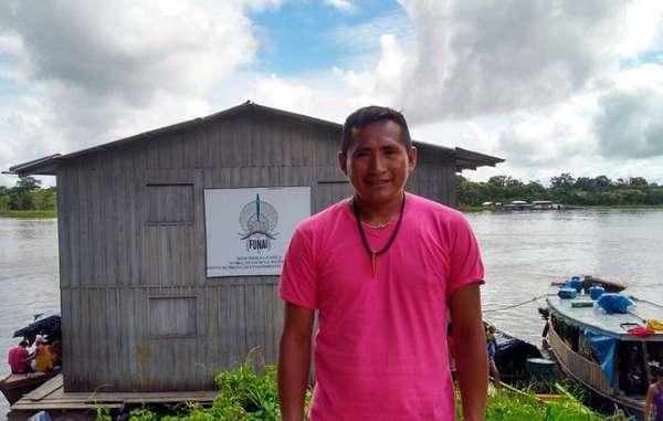 Paulo Marubo, leader di un'organizzazione indigena della Valle del Javarí nella Frontiera Incottattata.