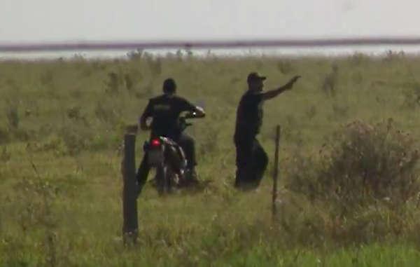 Una grabación muestra a pistoleros conduciendo junto a una comunidad guaraní y disparando a los indígenas.