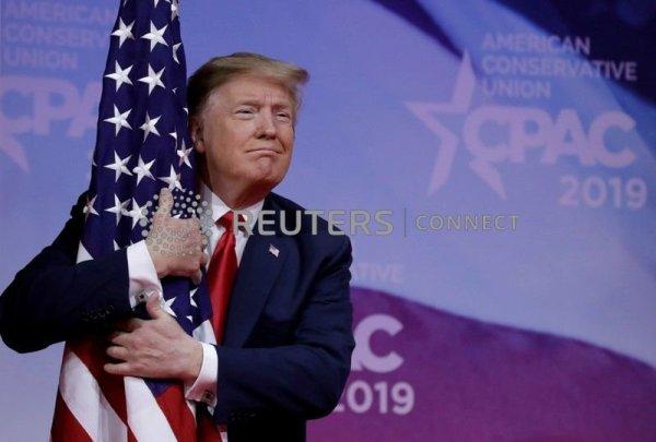 Trump slams Mueller, mocks critics in fiery two-hour ...
