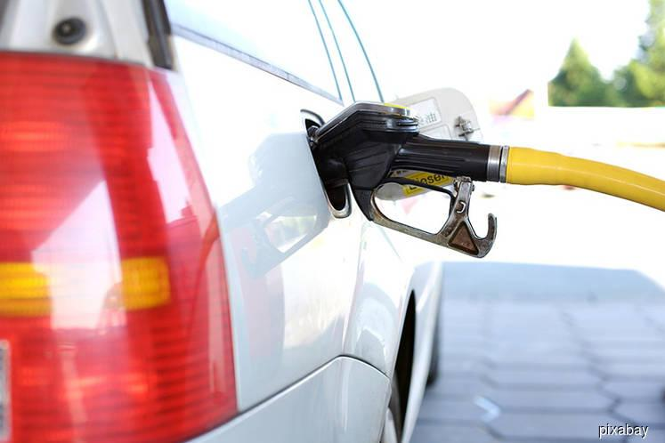 Petrol prices down 2 to 3 sen per litre