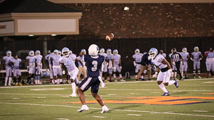 NAU vs Georgia Prep catching the ball