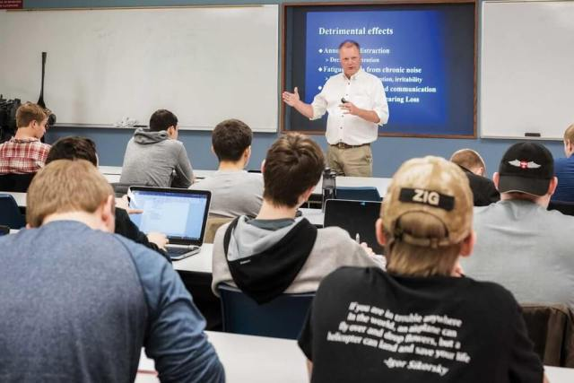 Dr. Warren Jensen delivers a lecture. Jensen is a Chester Fritz distinguished professor and flight surgeon for the John D. Odegard School of Aerospace Science.