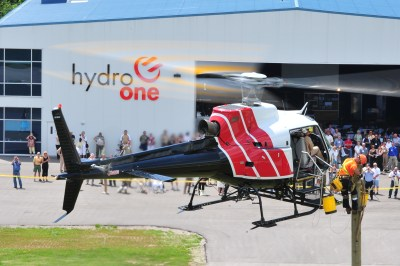 A Hydro One crew demonstrates the use of an external AirStairs platform. Mike Reyno Photo