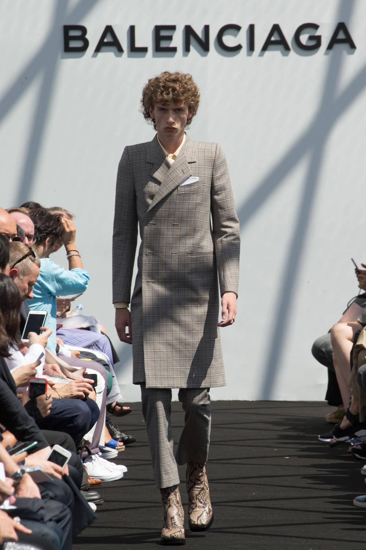 Balenciaga Spring/Summer 2017 Menswear