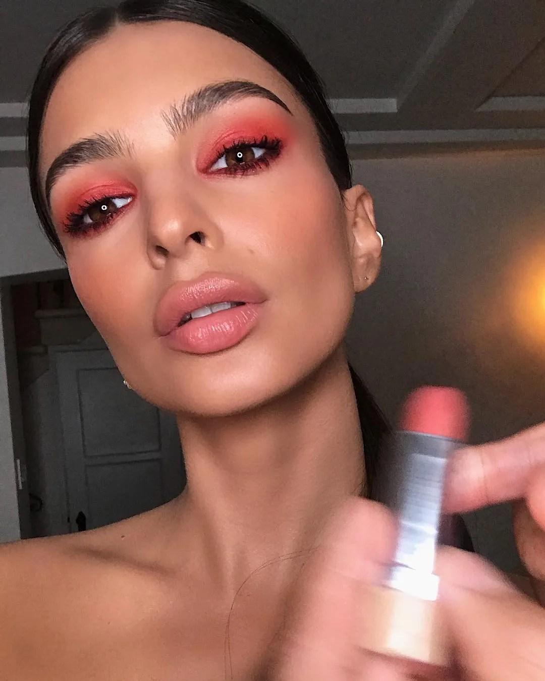 5 bright makeup ideas to kick off