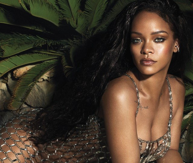 Rihannas Vogue Cover The Singer On Body Image Turning 30 And Staying Real No Matter What Vogue