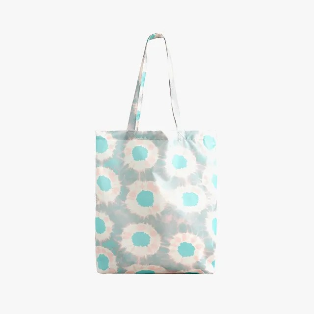 example of reusable plastic tote bags