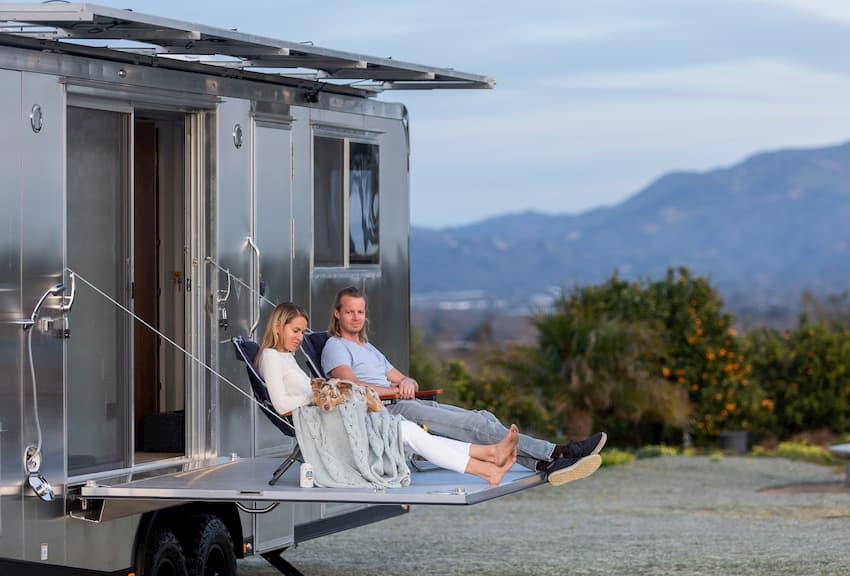luxury travel trailers guide choosing