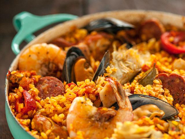 Recipe: Spanish Paella with Chorizo, Chicken and Shrimp