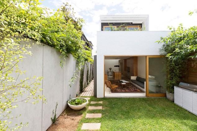 Bondi House by Fearns Studio. Photo by Tom Ferguson | Yellowtrace.