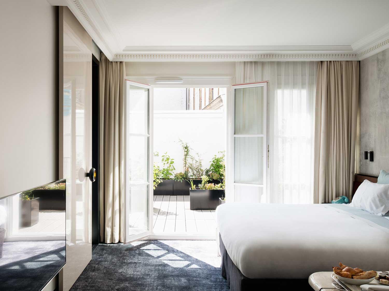 Salle De Bain Neo Shine ~ legendary nightclub les bains paris becomes a luxury hotel