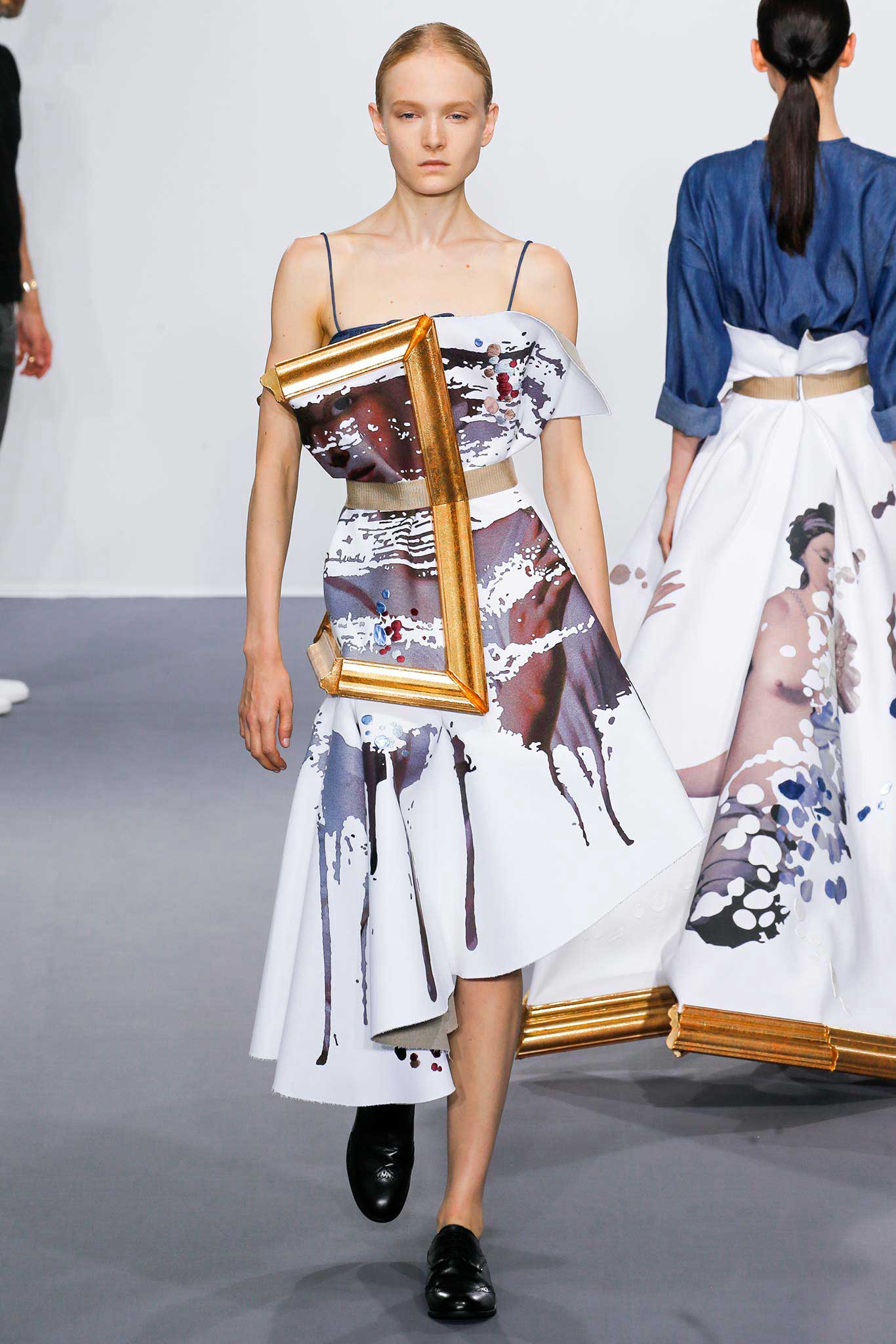 Viktor Amp Rolf Dress Models In Wearable Paintings Yellowtrace