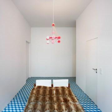 Heritage Apartment in Berlin by Marc Benjamin Drewes ARCHITEKTUREN & Schneideroelsen | Yellowtrace