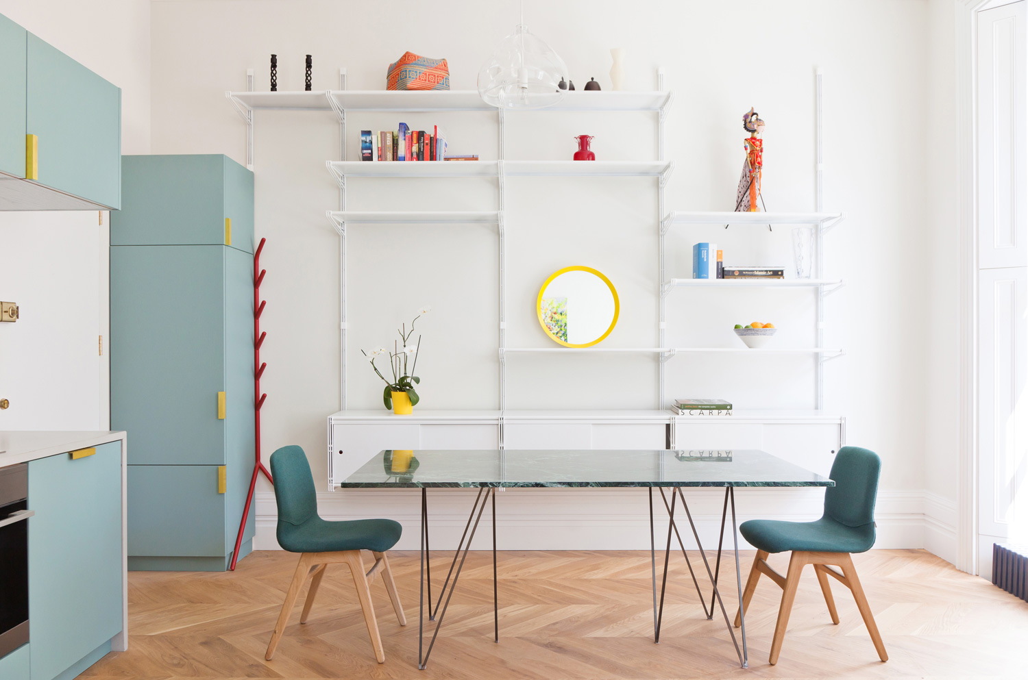 Colourful Pied-a-Terre In Westbourne Gardens, London By Nimtim