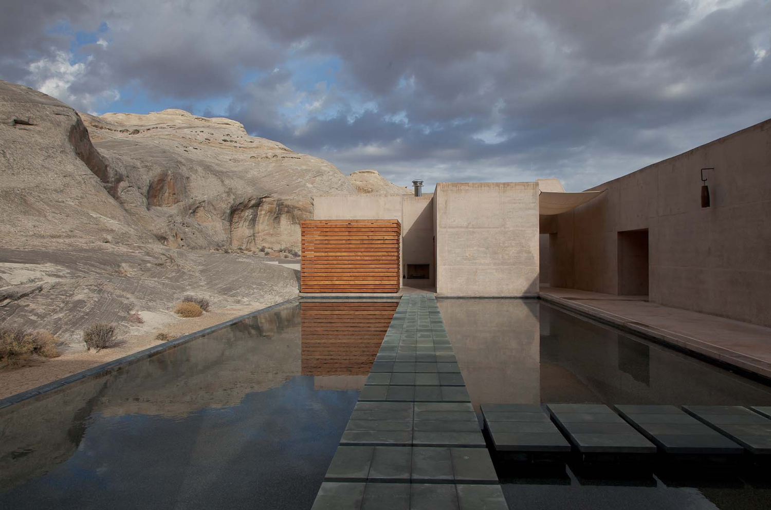 Amangiri resort spa in the high desert of utah for Pool design utah