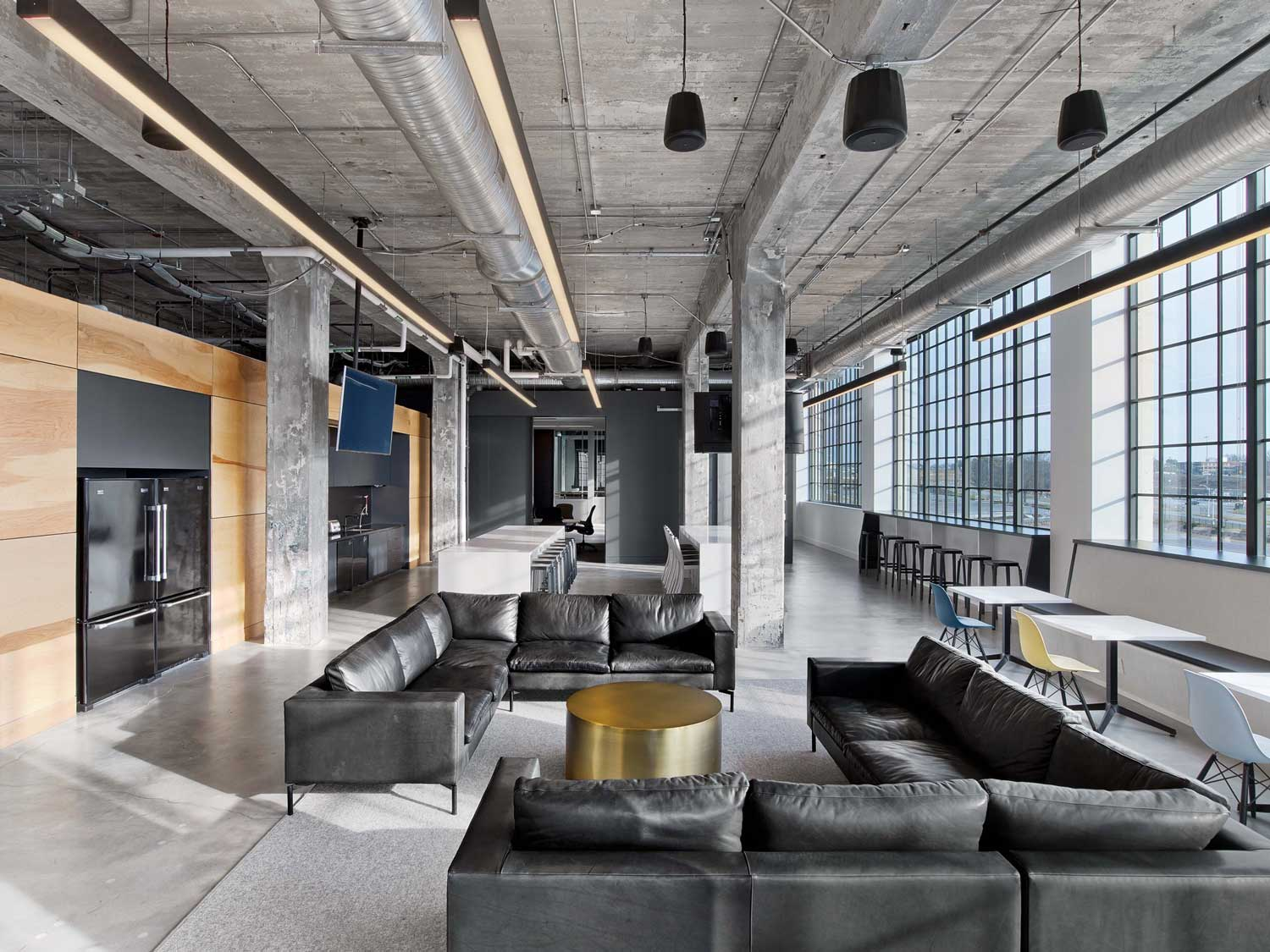 Mullenlowe ad agency office in winston salem us by tpg for Space design agency
