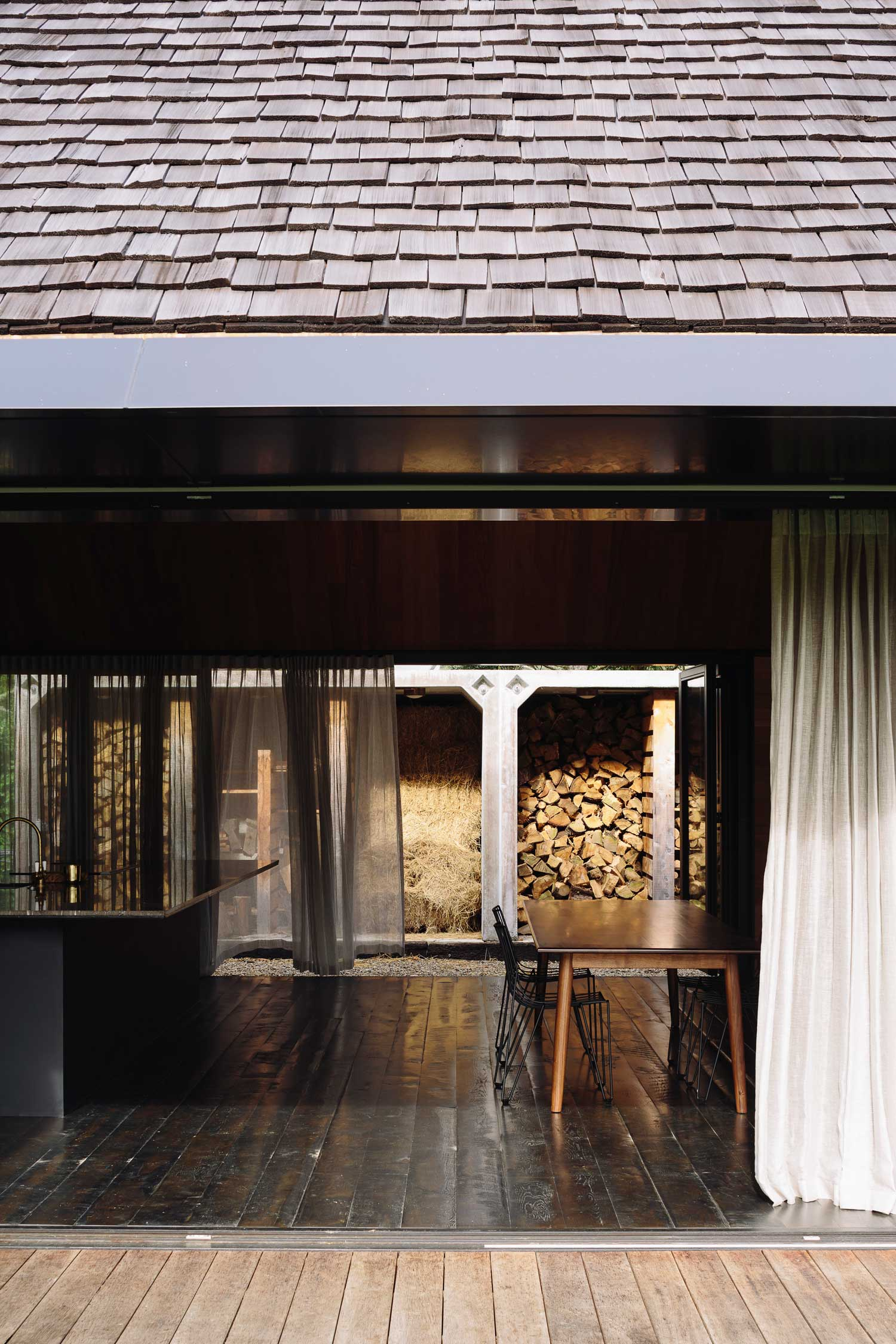 Forest House in Auckland, New Zealand by Fearon Hay ...