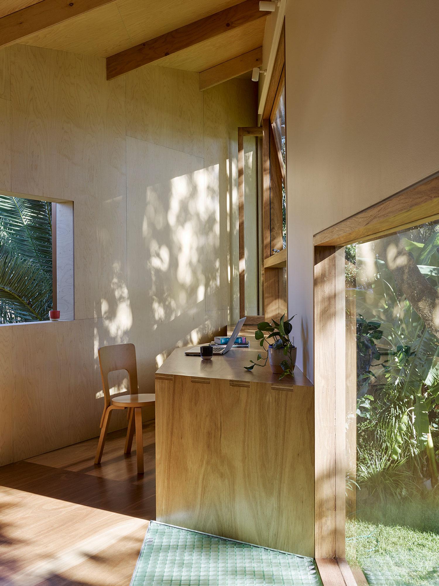 taringa treehouse in brisbane backyard by phorm architecture design