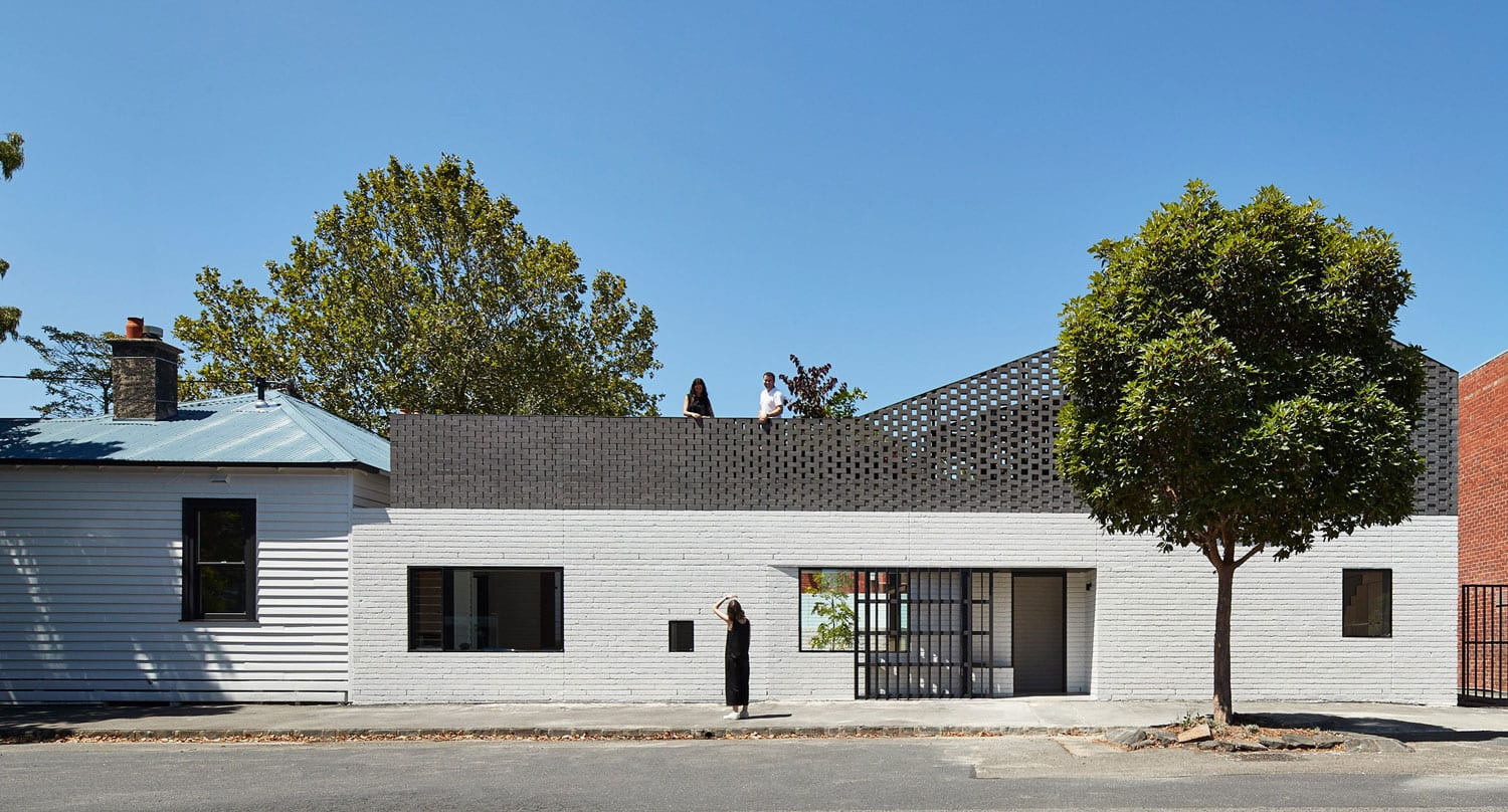 Perimeter house in abbotsford by make architecture for Create a new house