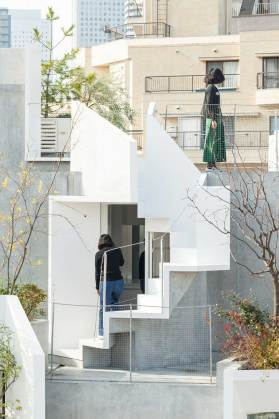 Tree-ness House in Toshima, Japan by Akihisa Hirata | Yellowtrace