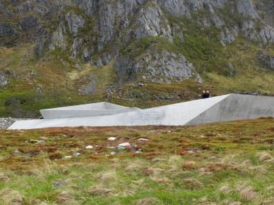 BUKKEKJERKA Mirrored Toilet Block Norwegian Coastline by MORFEUS Arkitekter | Yellowtrae