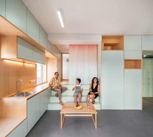 Small Apartment Renovation in Madrid, Spain by Elii Architects | Yellowtrace