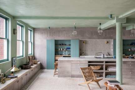 Converted Loft in the Heart of Shoreditch, East London by Chan & Eayrs | Yellowtrace