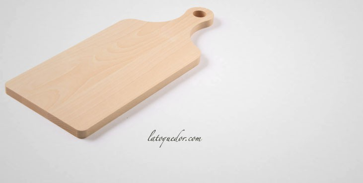 planche a decouper bois avec poignee