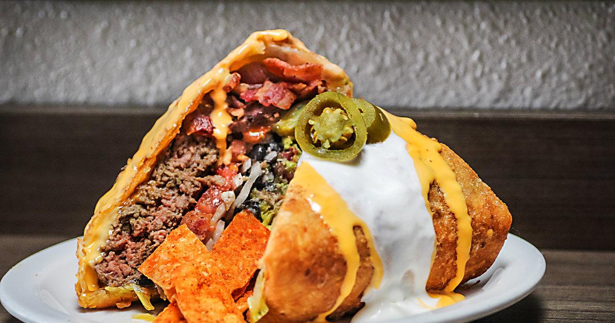 Slaters 5050 Supreme Nacho Burger W Bacon Amp Guacamole Thrillist