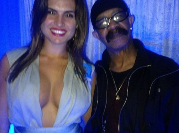 Also, Drake's dad is a big hit the ladies and he likes to ...