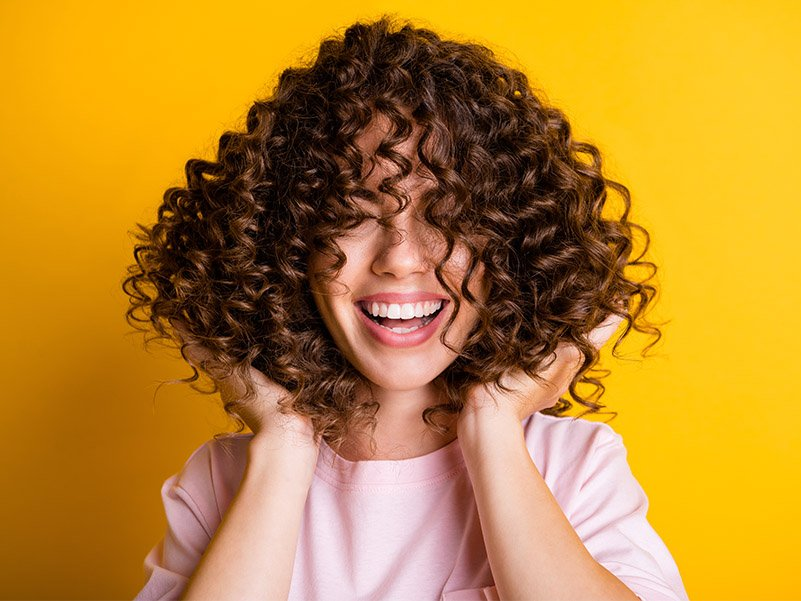 Read more about the article O que é o Método Curly Girl (CGM)?