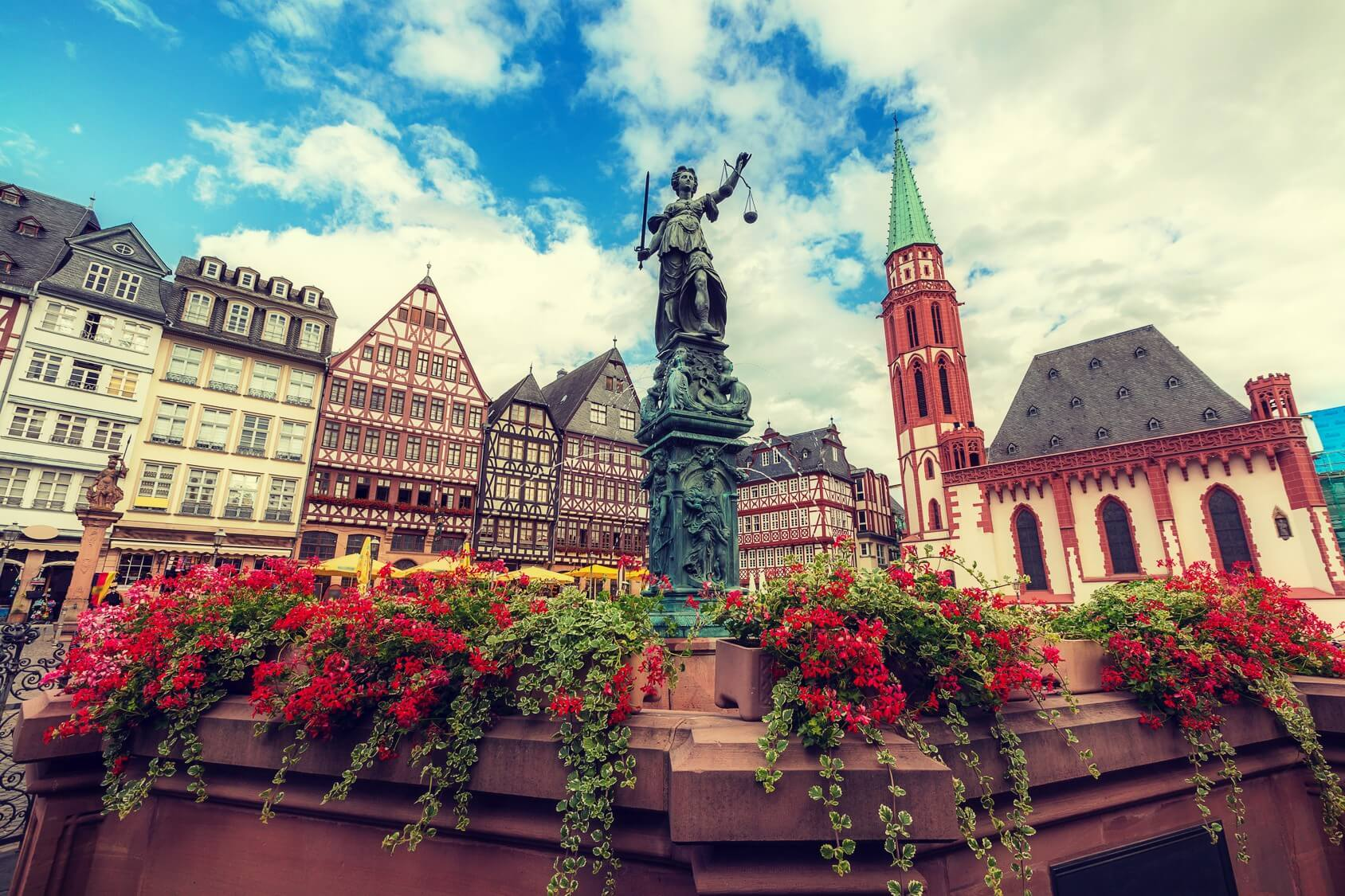 The Top 3 Reasons Why You Should Visit Frankfurt Germany