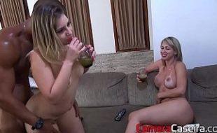 Gostosas gemes fazendo porno gostoso com dotado