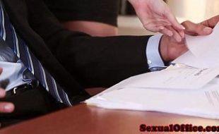 Patrão safado caiu na net fudendo gostoso sua secretária gostosa