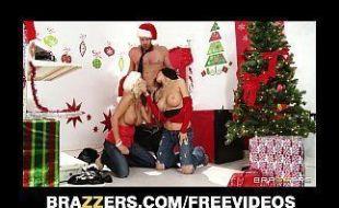 Porno natal com gostosas metendo a boca no pau