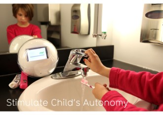 Simulate Child's Autonomy: Leka motivates and guides the child throughout the day to autonomously complete different daily tasks through pictograms displayed on its screen and vocal instructions.