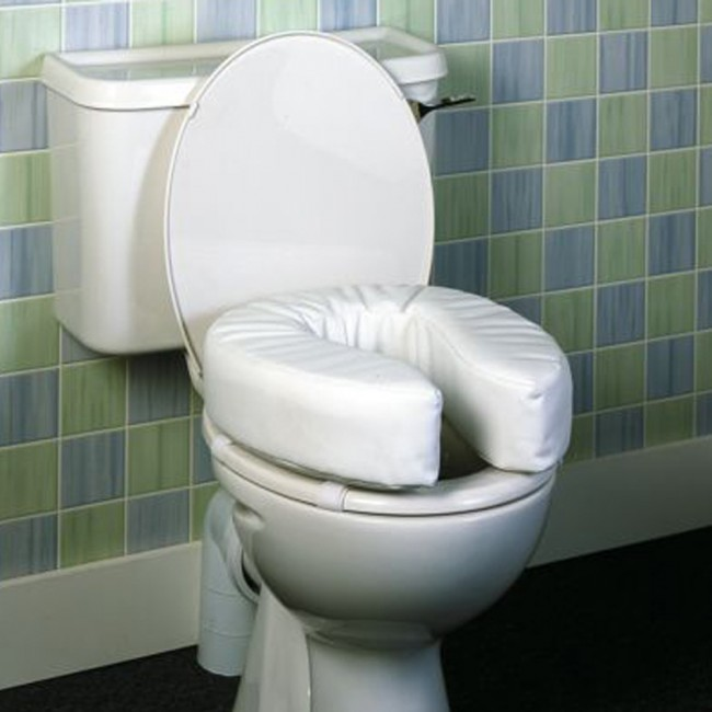 7a1070_padded_raised_toilet_seat_1