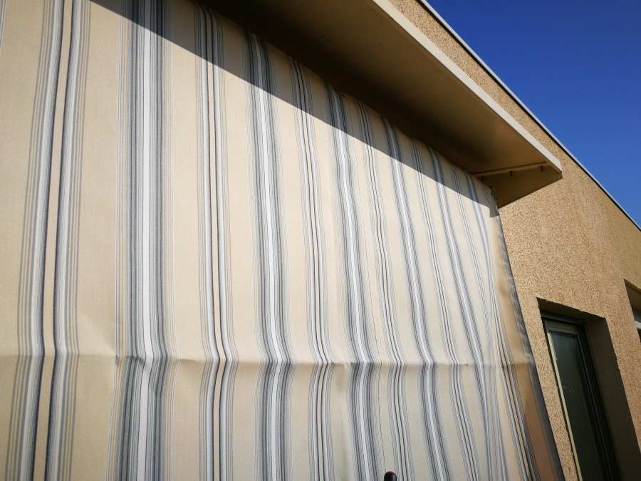 toile de store mesure dimension de toile tissu de store. Black Bedroom Furniture Sets. Home Design Ideas