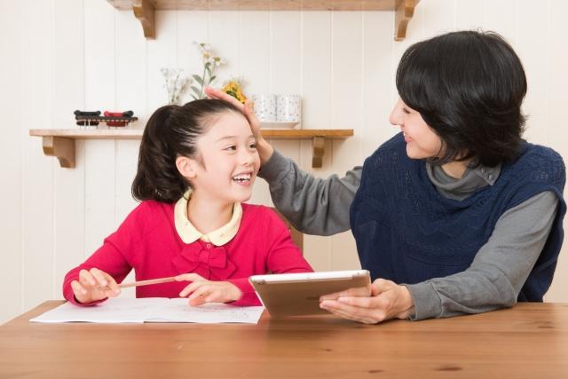 公文のスタッフはすぐクビになるが子供を褒めるのが仕事