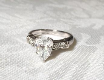Custom made ring for pear shape diamond