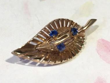 P 441 Rose Gold Sapphire Brooch