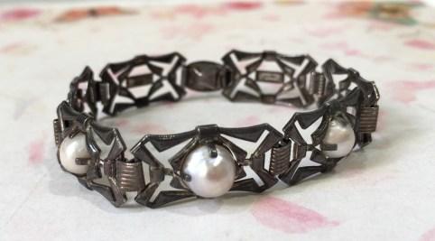 #252 Vintage Silver Pearl Bracelet