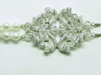 custom diamond pearl bracelet
